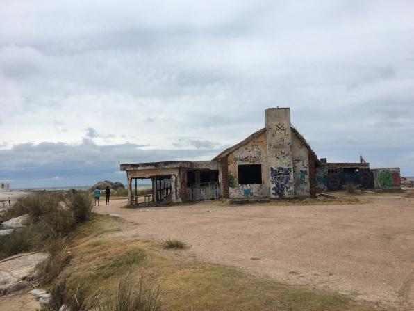 Casas abandonadas em Punta del Diablo